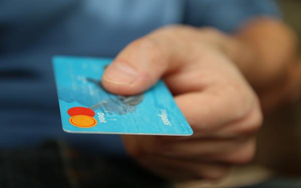 طريقة الحصول على بطاقة ائتمانية لتفعيل البايبال