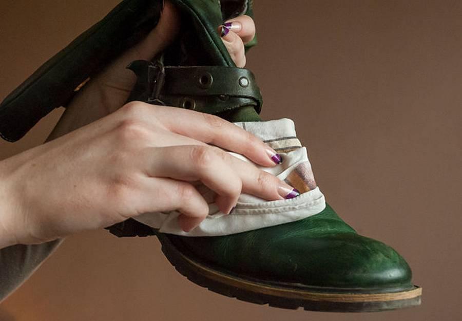 Tips Membersihkan Sepatu Kulit Mudah  3c0000a316