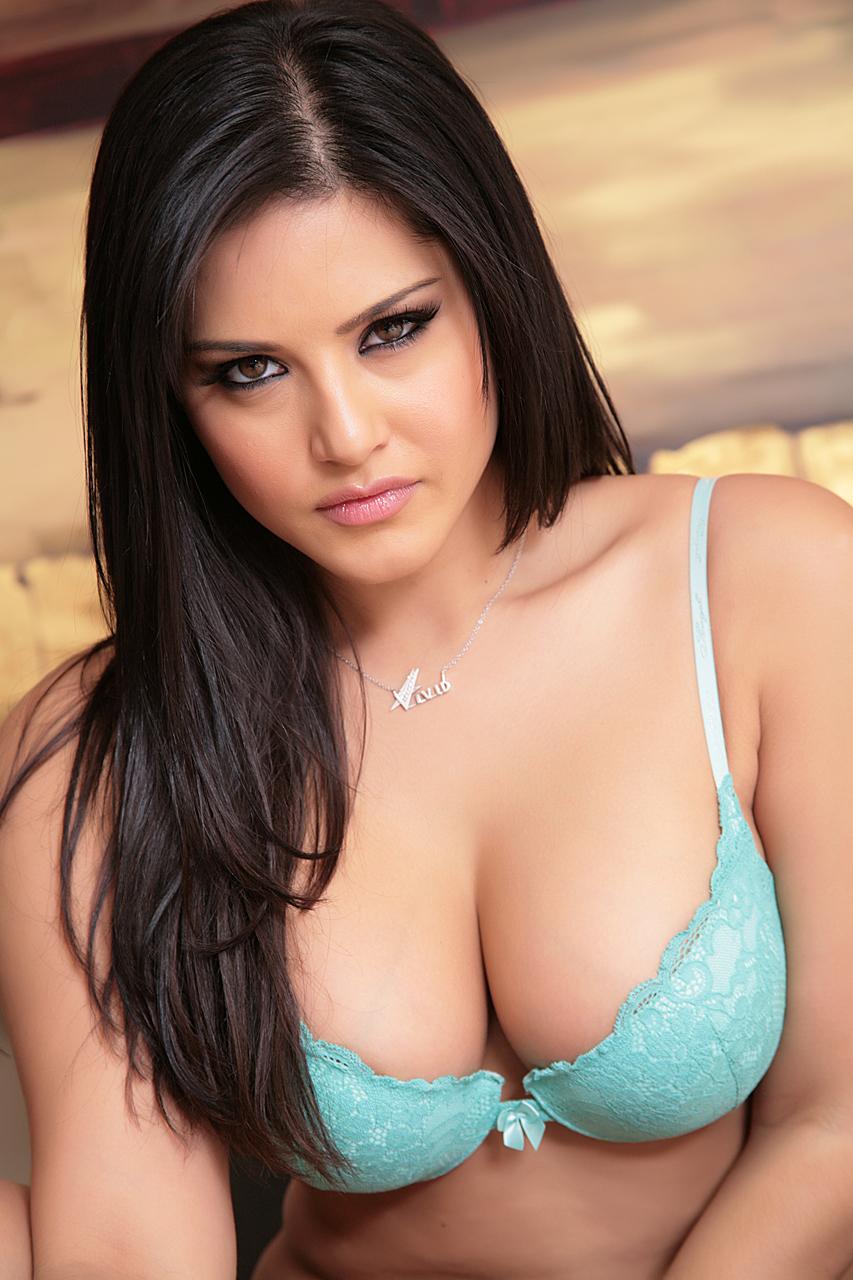 Sunny Leone Exclusive Sexy Photoshoot In Sea Green Bikini -1351