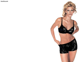 Natasha Henstridge hot hd wallpapers