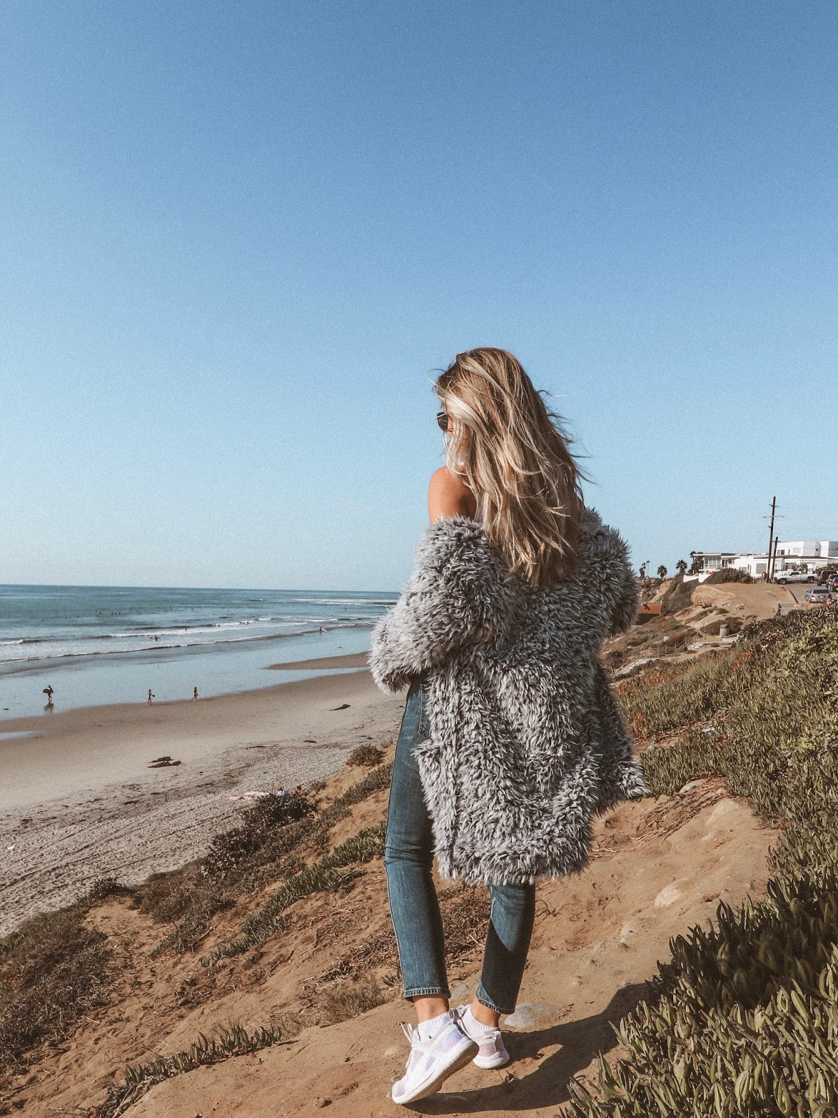 fuzzy faux fur, tomboy lucky brand jeans, salty blonde, beach, vintage style