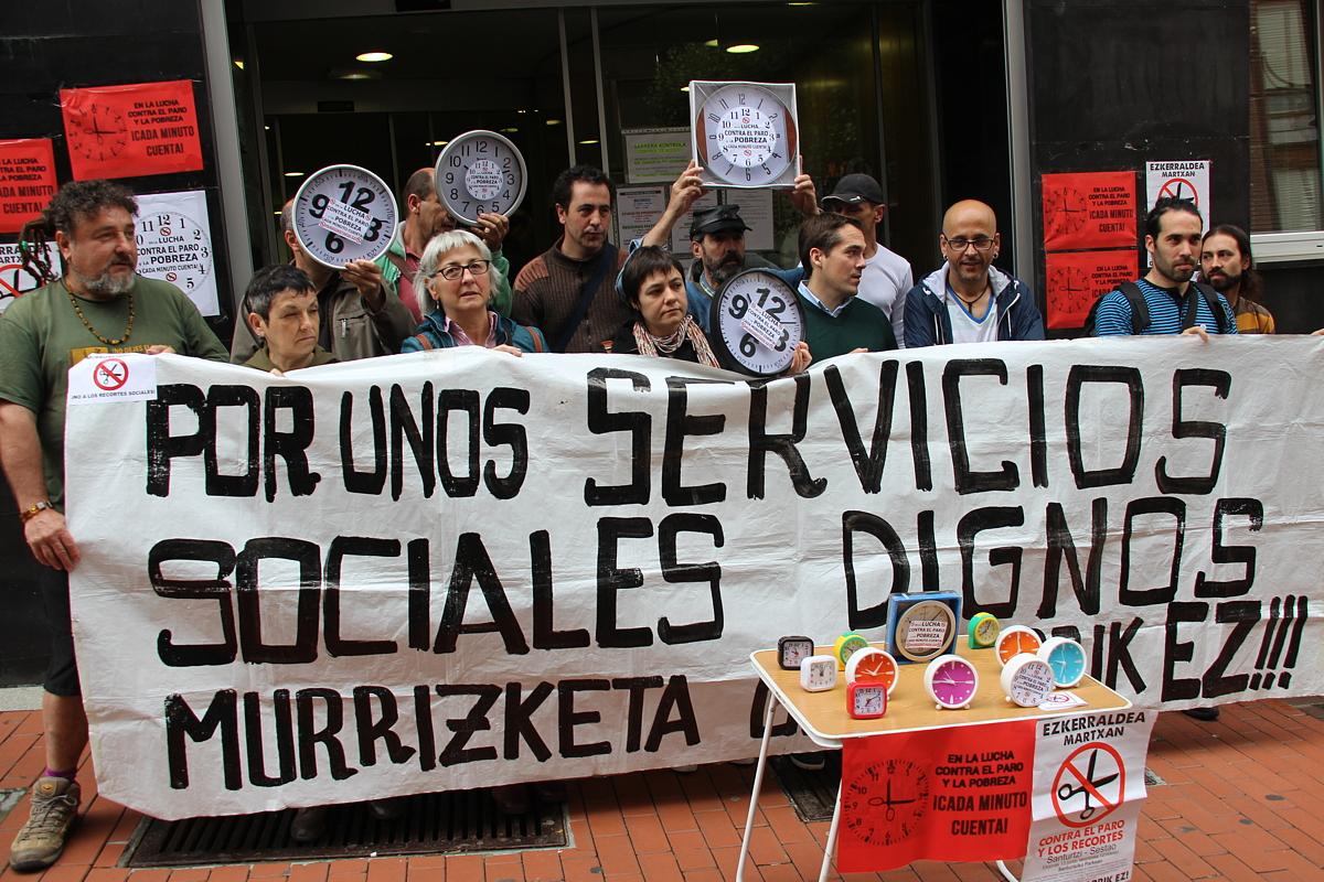 Protesta de la plataforma contra la exclusión social Berri-Otxoak