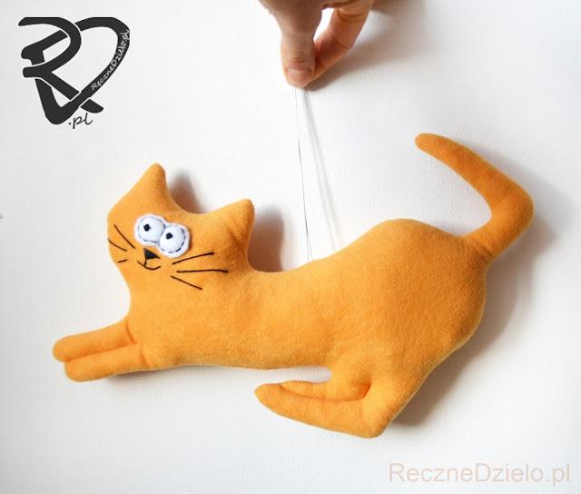 Ręcznie szyte koty