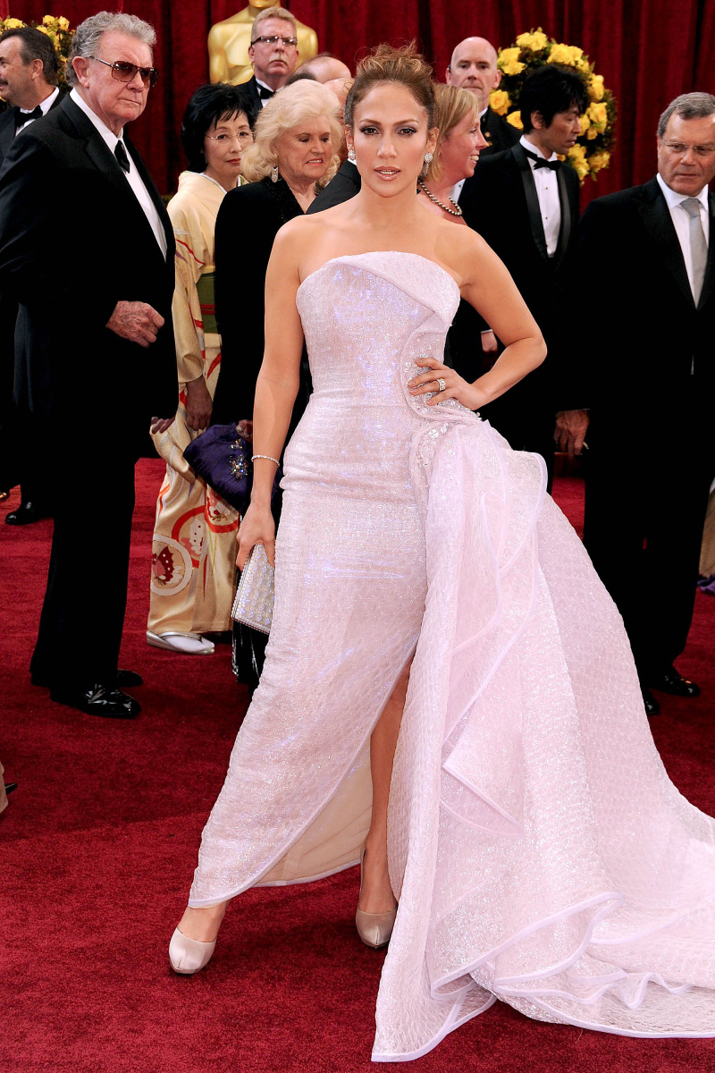 Red carpet dresses jennifer lopez which oscar dress is - Designer red carpet dresses ...