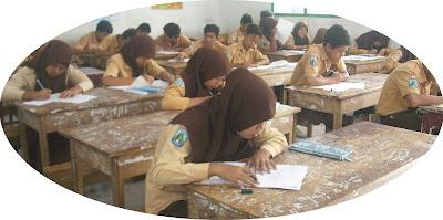 Hukum Campur Aduk Siswa dan Siswi Dalam Satu Kelas
