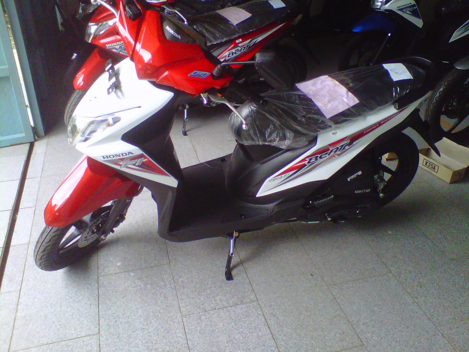 Modif Motor Matic Warna Putih Modifikasi Honda Beat Fi Warna Merah