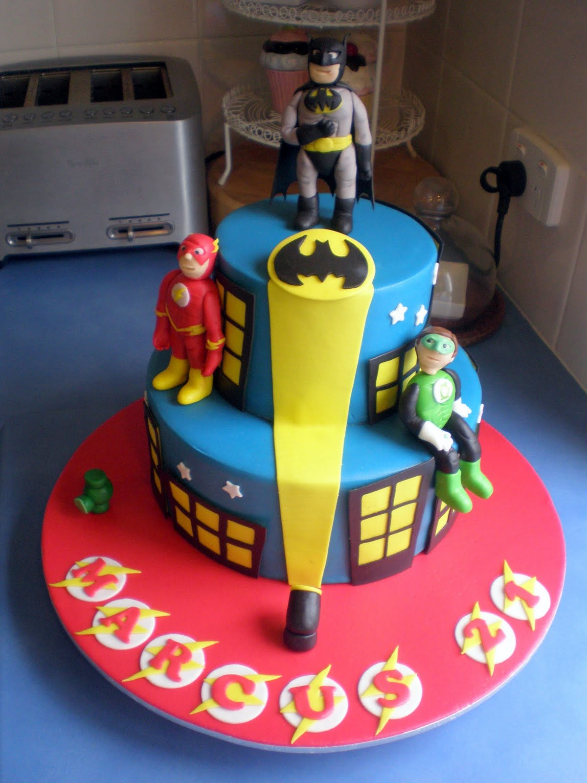 Easy Diy Superhero Cake