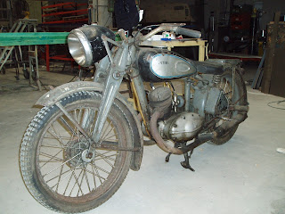 Motocicleta Victoria KR 35 WH