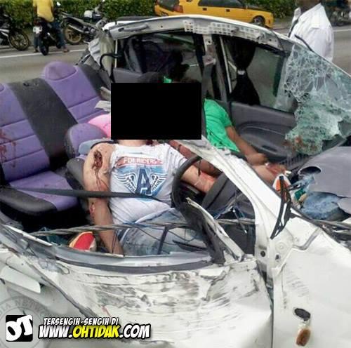 OvEr ReVVing: 4 Killed In A HORRIFIC Crash