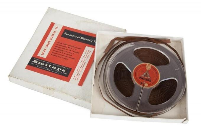 ブライアン・エプスタインが所有していた「デッカ・オーディション」のテープ 約147万円で落札
