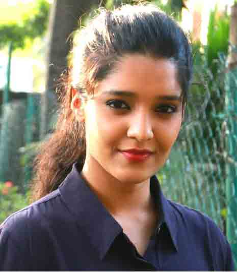 Ritika Singh Profile Biography Wiki Height Weight Body Measurements Biodata Age Affairs Family Photos and More.