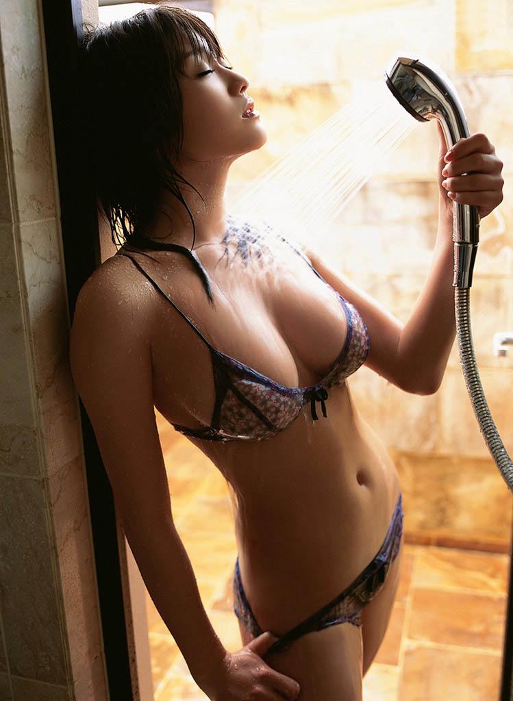 mikie hara sexy bikini photos
