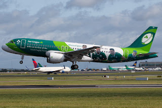 Airbus A320 of Aer Lingus in Irish Rugby colours