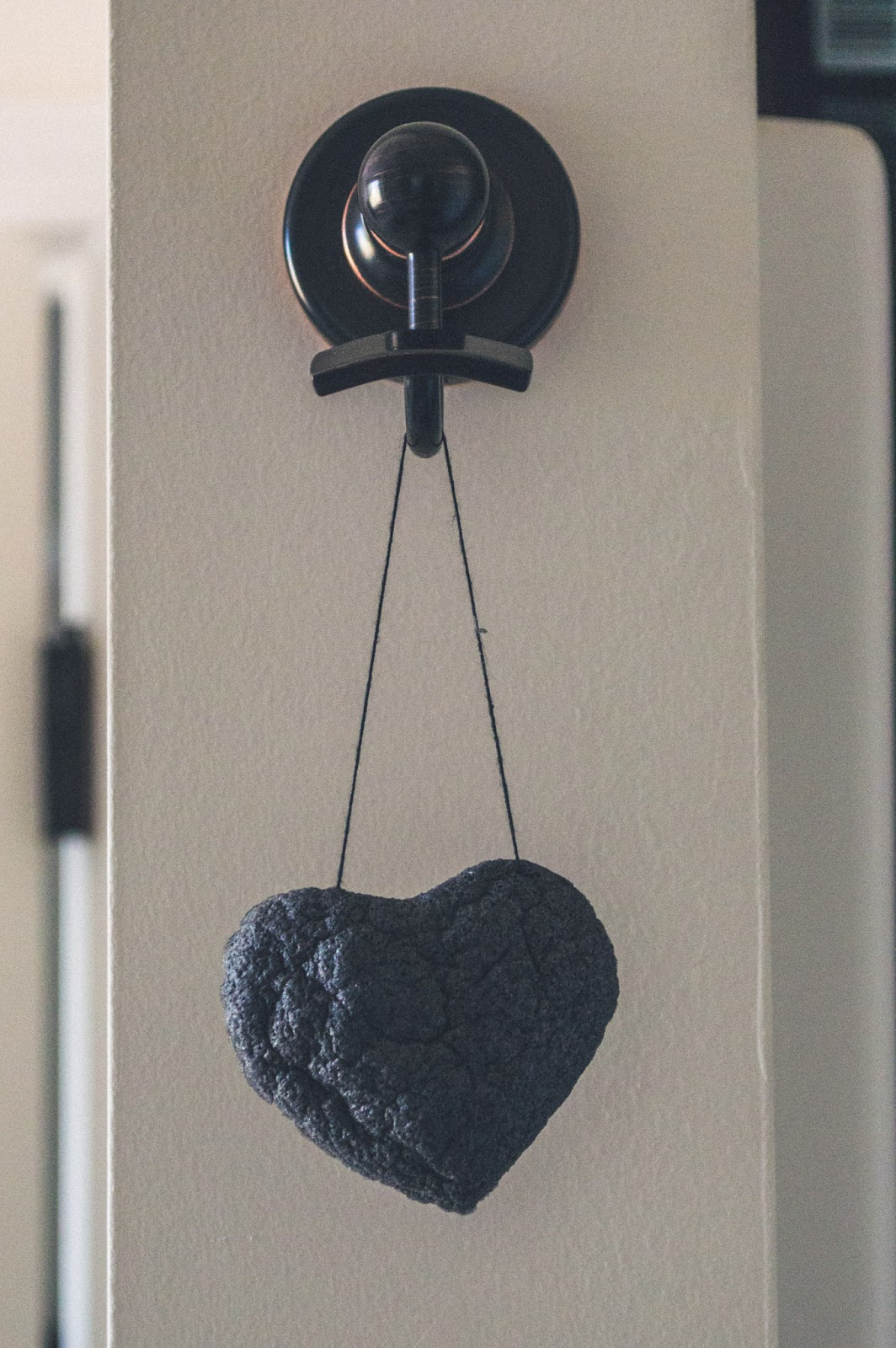 one love organics bamboo charcoal heart konjac cleansing sponge
