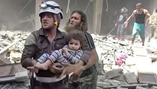 """Serangan Udara Rezim Gempur Kubu Oposisi Terakhir Suriah, Gas """"Mencekik"""" Warga Sipil"""