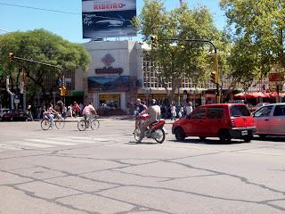 De viajeros por San Rafael, Mendoza, Argentina 4