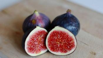 Desaparece el dolor en tu columna, espalda y piernas solo con estos frutos