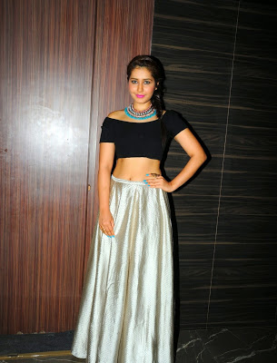 Actress Rashi Khanna's Most Sexy Navel Pictures