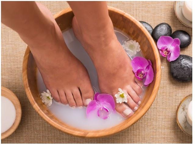 पैरों को मुलायम और खूबसूरत बनाने के लिए घरेलू उपाय
