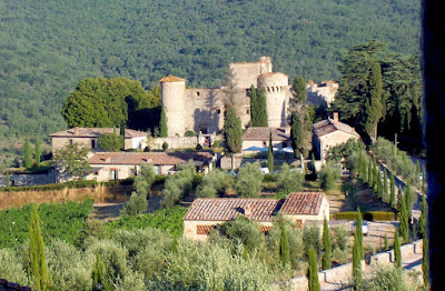 Where can I stay in a castle in Tuscany?