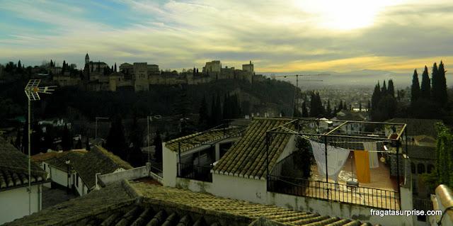 Granada, Andaluzia: a Alhambra vista do bairro mouro do Albaicín