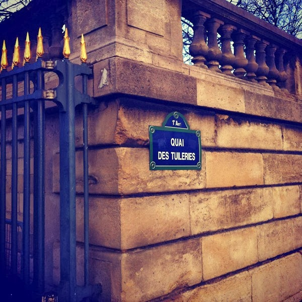 Quai des Tuileries sign in Paris