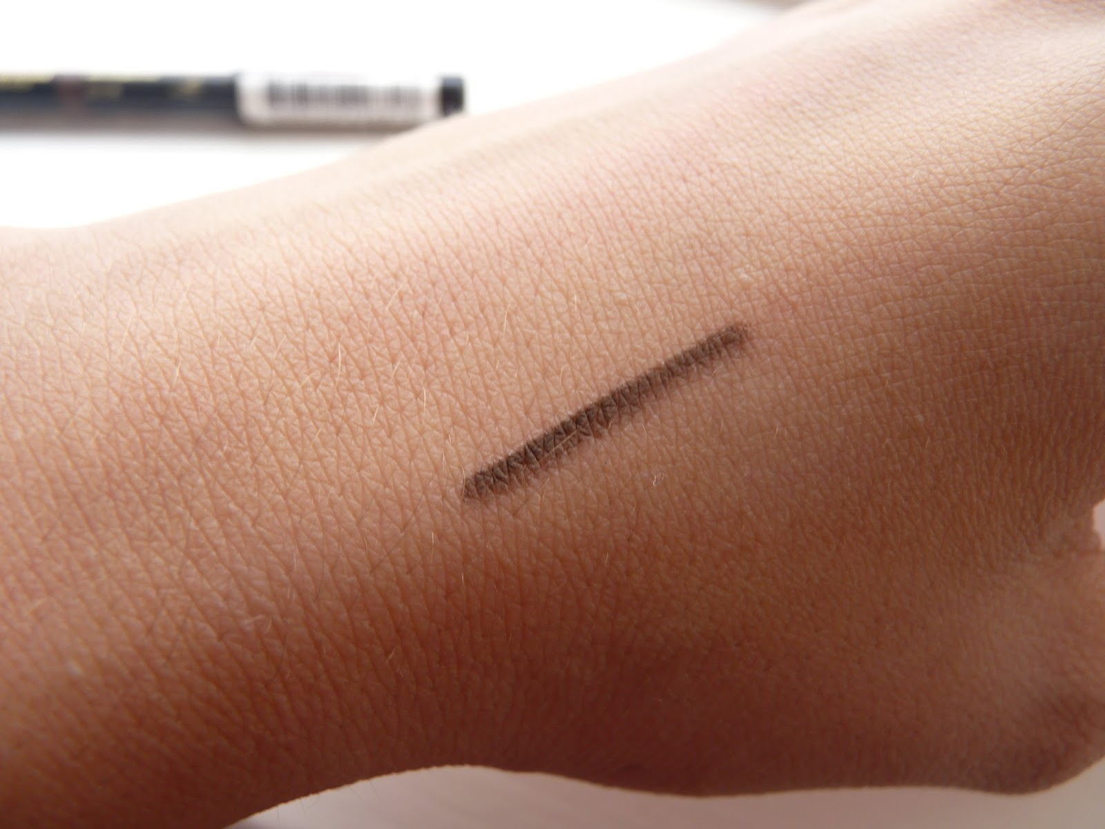 Abby Beauty: L'oreal Super Liner Brow Artist: Review