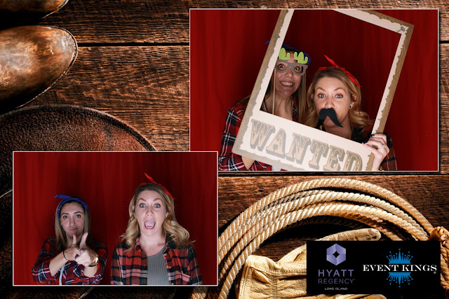 western themed photo booth