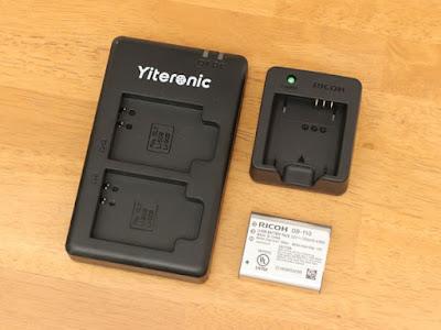 RICOH BJ-11バッテリーチャージャーとYiteronicの充電器+DB-110リチャージャブルバッテリー