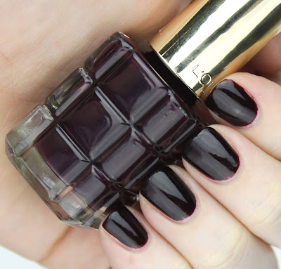 L'Oreal Colour Riche Le Vernis A L'Huile in 556 Grenat Irreverent wine nail swatch review