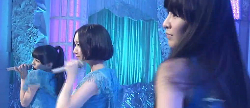 "Perfume perform ""Hurly burly"" 
