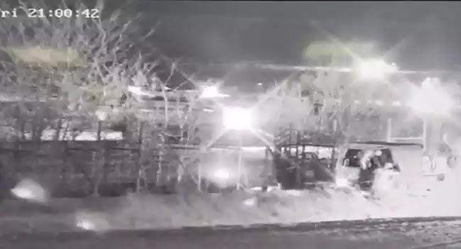 Έβρος: Βίντεο δείχνει τουρκικό τεθωρακισμένο να προσπαθεί να ρίξει τον φράχτη στα σύνορα