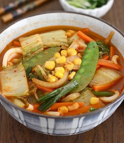 Korean-Chinese Spicy Vegetable Noodle Soup recipe by SeasonWithSpice.com