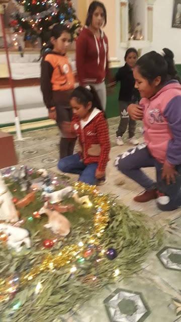 Besuch an der Krippe in Esmoraca Bolivien