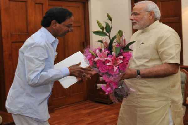 Telangana-CM-KCR-discusses-demonetisation-with-PM-Narendra-Modi