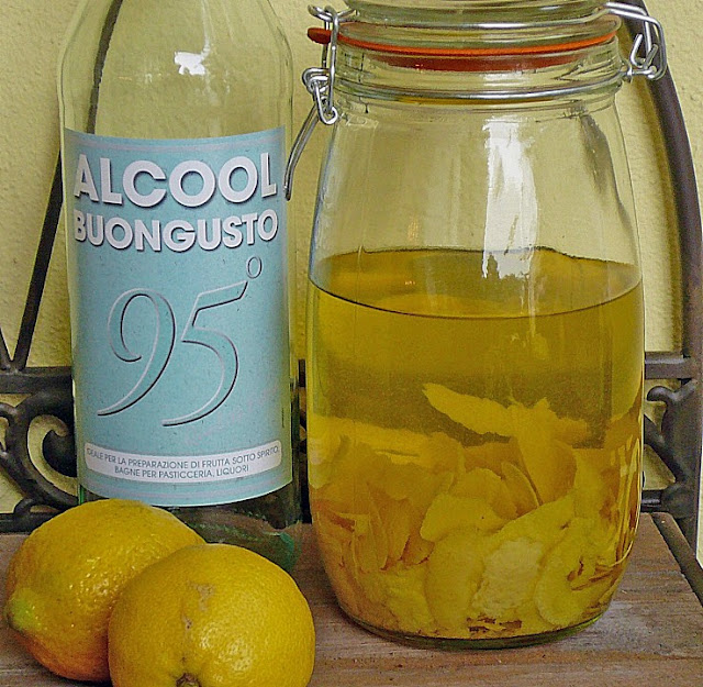 making limoncello at home