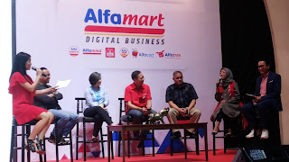 Talkshow dengan pelaku dan konsumen e-commerce & logistik