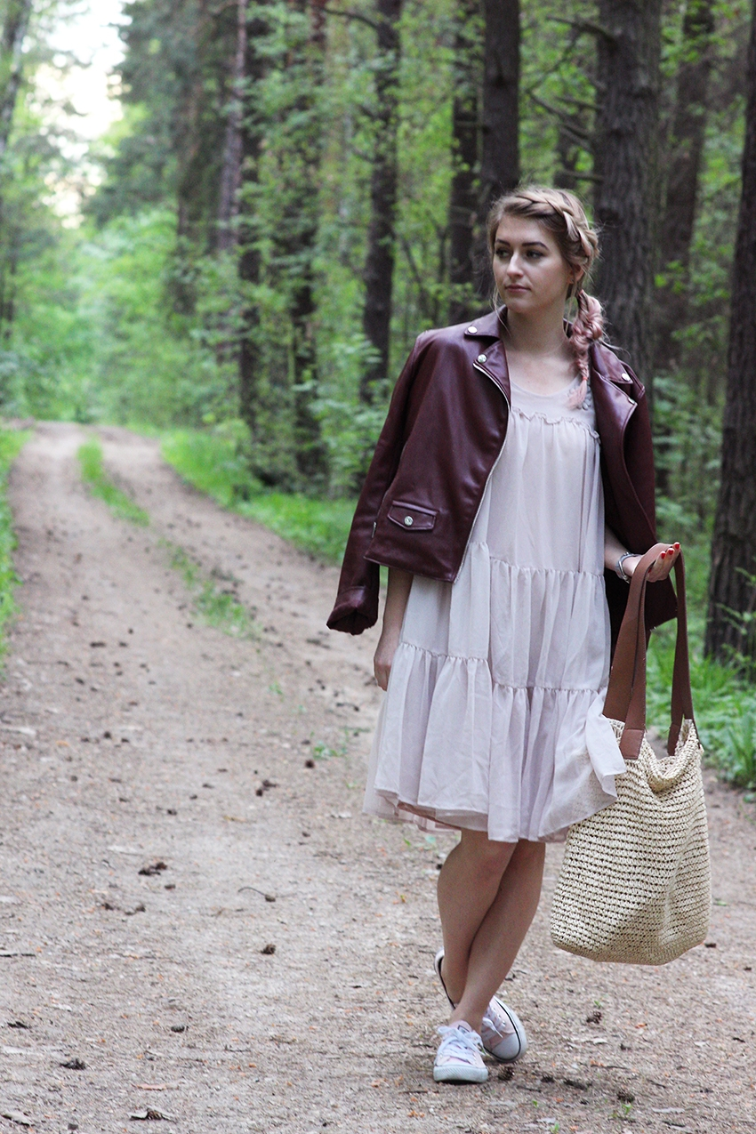 Simplythebest Blog written and created by Ewa Sularz  dress - H&M jacket - Pull&Bear bag - Mango shoes - Cropp pink hair, blonde, long hair, fashion, style, outfit, look, ootd, lotd, pink, braid, braidhairstyle