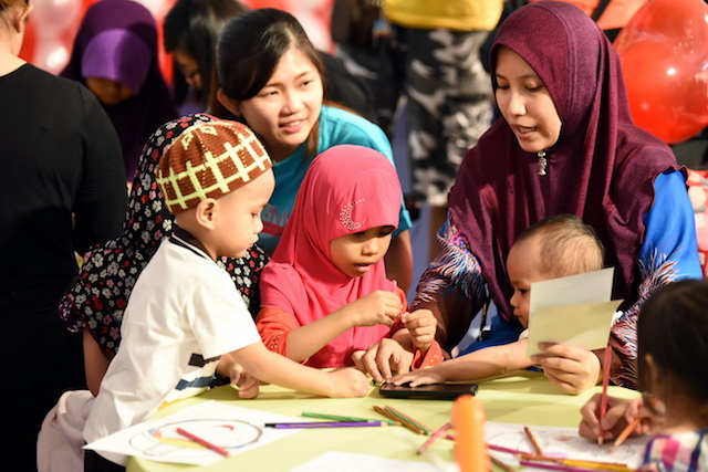 Mums and children at the Drypers Malaysia 'Moms of Malaysia 2016' Campaign Launch