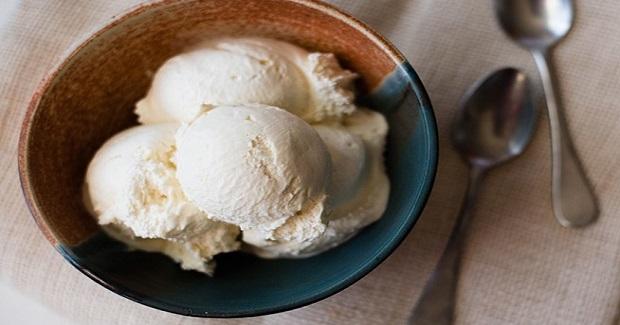 Homemade Vanilla Ice Cream Recipe