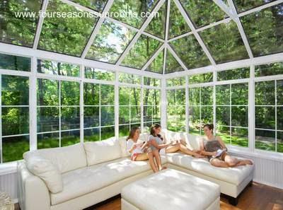 Cerramiento de patio con perfiles metal y vidrios