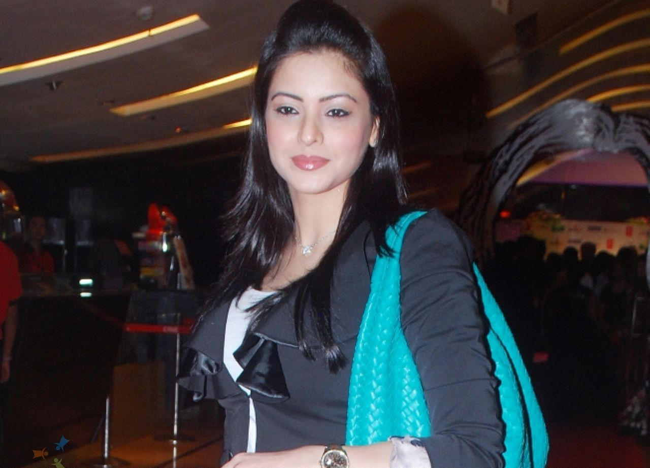 Aasiya Kazi 2009