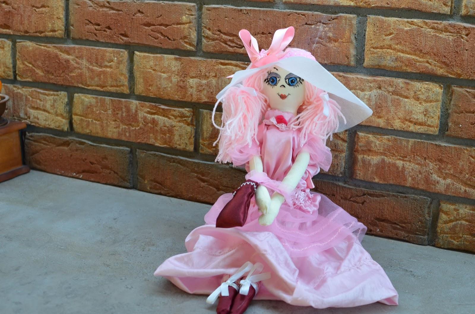 f4923911bd6be NA TKANINIE Pracownia Rękodzieło Nathalie Gile Art  szmaciana lalka ...