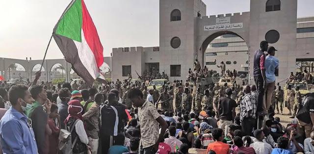 Militer Tangkap Presiden Sudan, Warga Bersorak-sorai