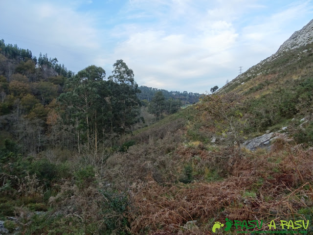 Ruta al Cerro Llabres: Camino de Rioseco a Lledías.