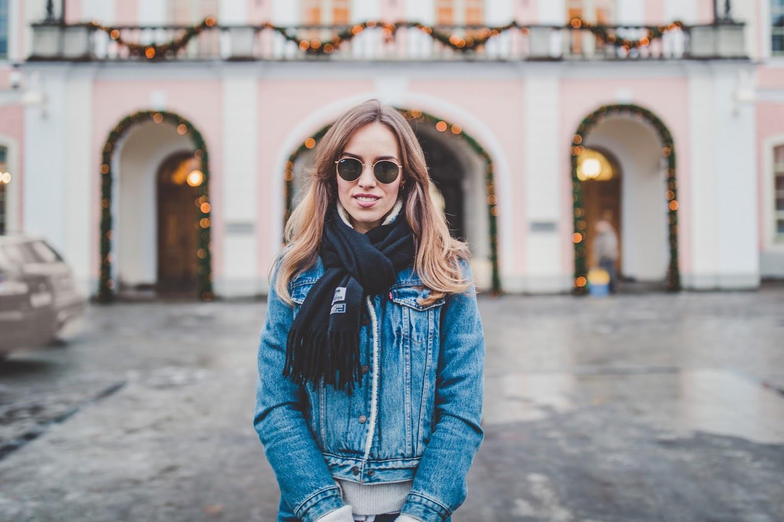 levis sherpa jacket acne black scarf ray ban sunglasses