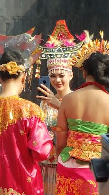 Putri Indonesia : Kezia Warouw