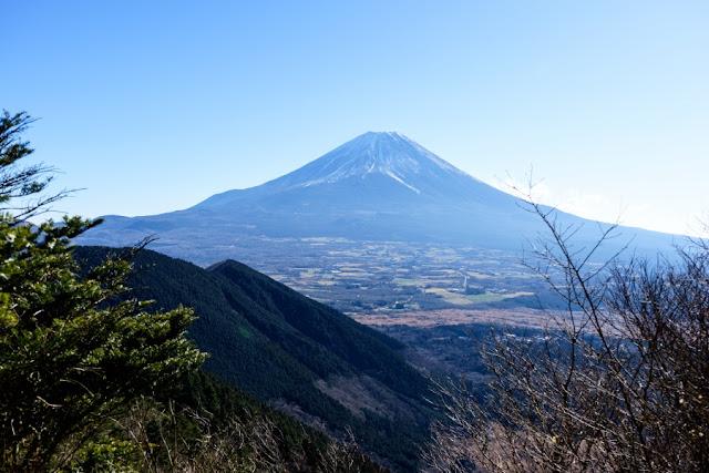 端足峠から望む富士山