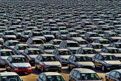 انخفاض حاد  في سعر السيارات الي ما يقرب النصف في السوق المصري قريبا