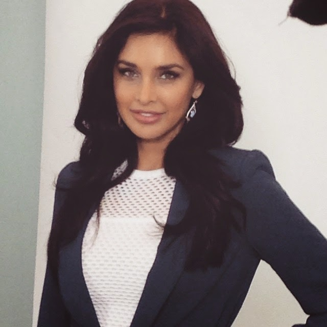 back in the studio. work life , set life ,, Hot HD Pics Of Lisa Ray From USA
